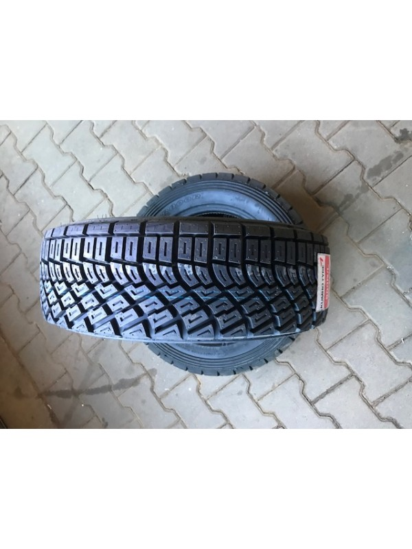 Kumho R800 195-65-15 MEDIUM